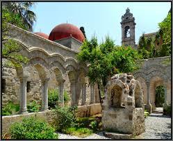 Chiostro-chiesa-di-San-Giovanni-degli-Eremiti