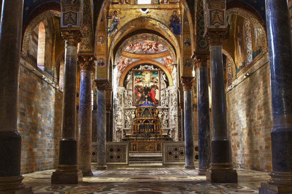 interior-view-mosaic-church-martorana
